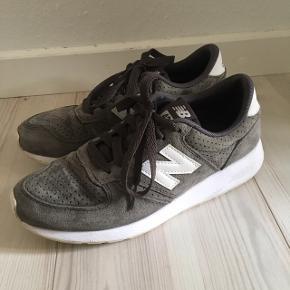 Fine sko fra New Balance (420) 🌸  Kun brugt et par gange, da de desværre er for små til mig 🌱 Lille i størrelsen ✨ 100 kr pp 💸  #30dayssellout