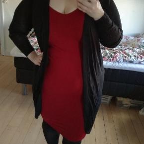 Mørkerød bodycon-kjole. Aldrig brugt. Str 0x fra Forever21  Mængderabat gives