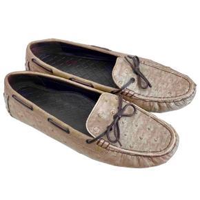 Fine loafers / Mocasins fra Bottega Veneta i struds skind  i rigtig god stand . Dustbag følger med.   Bytter ikke.  Ved ts handlen kommer 2,5% gebyr oveni .
