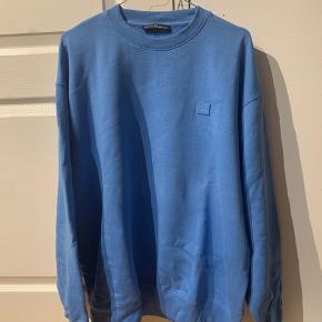Acne Studios Sweater  Kun prøvet på 1 gang   Størrelse medium (fitter en large, dvs stor i størrelsen)   Ny pris 1599,-   Meetup København / Omegn (kan også Sendes)