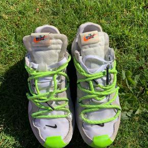 Nike off white terra str 37,5 kvit og boks følger med