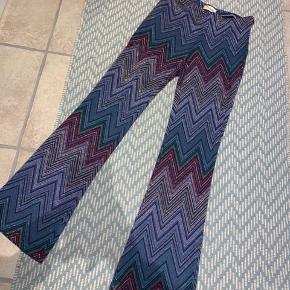 Mega fede bukser fra Dixie. Køber betaler fragt 📦 og tager ikke billede med dem på.   Np. 900 kr.