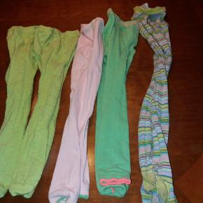 4 par leggings og et par strømpebukser. Alle i kraftig strømpebuksekvalitet. Leggings er næsten ikke brugt da min datter bedre kunne lide tynde leggings. De to første er fra MP str. 130. Strømpebukserne ligeså. De er brugte men ikke slidt. De lyserøde og grønne leggings er fra Phister Philina  og er str 6/8 år.