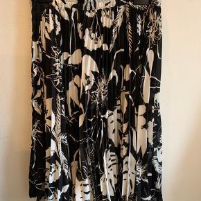 Fin vintage nederdel fra Berlin.