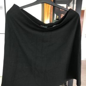 Ny sort nederdel stadig med tags. Nypris 299kr #30dayssellout