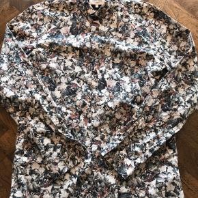 J. Lindbergh skjorte // Klassisk fit  Størrelse : L (41/42)   Aldrig brugt!