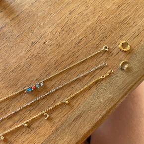 Smukke smykker fra Maanesten 🌞 3 armbånd (1 sølv, 2 forgyldte) og 2 små forgyldte øreringe 💎 Alle smykkerne er brugt og falmet lidt i farven. Derfor er prisen derefter ⚡️🙌🏻 SAMLET PRIS 400 kr.
