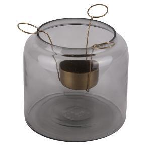 """Fine håndlavede glaskrukker, der også kan bruges til opbevaring, som fyrfadsstage og vase. De er helt nye. De fås i 4 farver. Gold, mos, henna og smoke.  Glaskrukke 60kr Låg (messing) 30 kr.  Fyrfadsholder 25 kr.  Købes hver for sig. Fyrfadsholder kan bruges til mange andre glas/krukker, da den er """"justerbar""""  Brugskunst fra Room no 517. så flotte. Sender gerne med DAO eller GLS  Ved TS pålægges et mindre gebyr til prisen."""