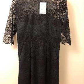 Fin Ganni kjole  !!Str l men lille i str !!  Passes af str s-m    #Secondchancesummer
