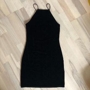 H&M velour kjole, købt i New York