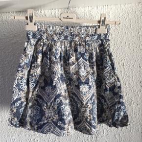 Fin nederdel fra H&M :-) Bytter ikke.