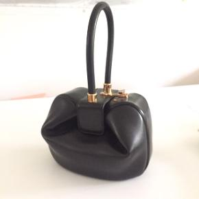 Gabriela Hearst - Nina bag. Long waiting list, can't buy online. Perfect condition comes with dust bag.