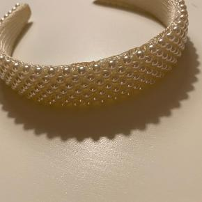 Perle hårbøjle fra sui ava