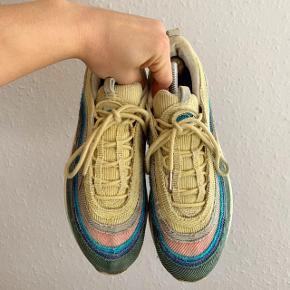 Hej :)  Sælger disse Nike Air Max 97 Sean Wotherspoon. Str 44 Medfølger Box, papir, 3 ekstra laces og 1 ekstra Nike patch Mp 3000 Bin 4399,- inkl fragt   Skriv privat eller 50391009 for mere