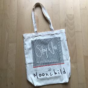 Moonchild anden taske