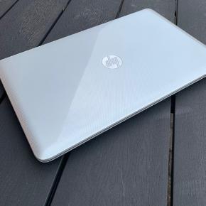 """FED  Hp Pavilion G17 Notebook Bærbar PC med 17,3"""" skærm, AMD A2 processor med 1,5 GHz, ny 120gb SSD harddisk, 8gb ram, HDMI udgang, webkamera, dvd-brænder, Windows 10 installeret, lader medfølger, virker perfekt, god batteritid også, sælges for 1300,-"""