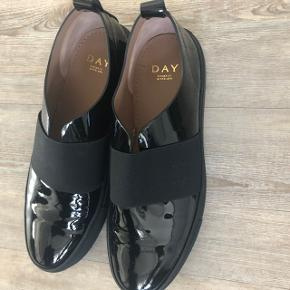 Day sko, Str 41 helt nye og ikke brugt Ny pris 1999  Sendes med DAO