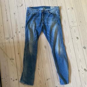 Diesel jeans brugt få gange. Størrelse W33 / L32