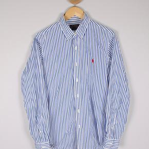 Ralph Lauren skjorte Str M - slim fit Stand: som ny 225 kr.  UAS102