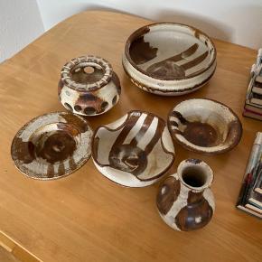 Axella keramik. Sælges samlet eller hver for sig.  BYD!