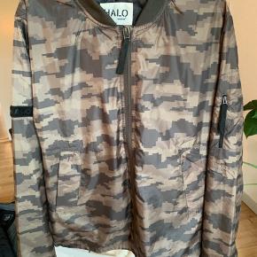 Fed jakke fra Newline Halo. Aldrig brugt. Limited edition. Ny pris 1200kr.