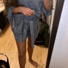 Sælger mine shorts fra Zara, de er aldrig brugt🌸