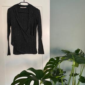 Fin bluse, der falder rigtig pænt. Mærket er ikke Stig P, men den er købt i Stig P for nogle år siden.   #30dayssellout