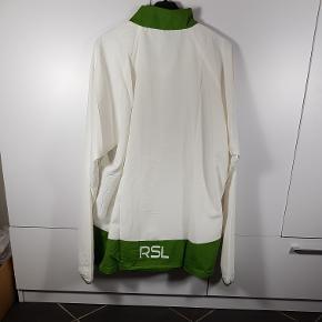 Helt ny Windbreaker fra mærket RSL i str XL. Har flere i denne str. Normal pris i butikkerne er 250kr. Skriv endelig ved spørgsmål 😀