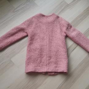 Lækker frakke fra Little apieces str 140.