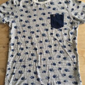 Se fotos  T-shirt Farve: Hvid Blå Oprindelig købspris: 299 kr.