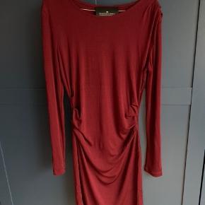 """Designers Remix """"Melody"""" kjole. Brugt få gange, så fremstår som ny"""