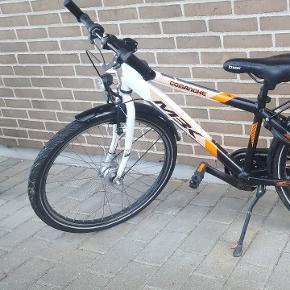 Drenge cykel. 24 tommer hjul. 7 gear.