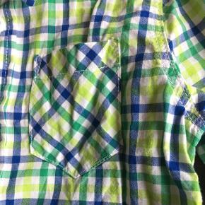 Forårsskjorte fra h&m str 92 😊 kun brugt få gange.