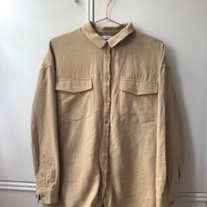 Sød skjorte fra sidste års envii kollektion. Størrelsen hedder S/M :-)