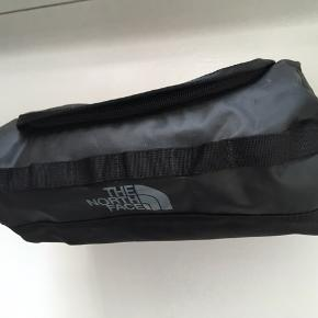 North face toilettaske  Nypris: 239 kr