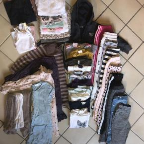 Brand: Blandet Varetype: Tøjpakke Størrelse: 98-104 Farve: Multi  Pige tøj pakke str 98-104 9 bukser 2.  3/4 bukser 11 bluser  11 t-shirt 6 undertrøjer 4 kjoler 3 strømpebukser  Blandede mærker: H&M, Pomp De Lux, Noa og flere