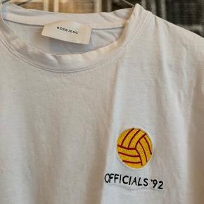 T-Shirt fra Hosbjerg, som nærmest aldrig er brugt