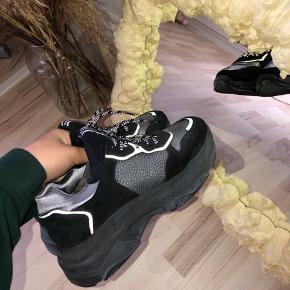 Helt nye sneaks fra Bronx mega fede