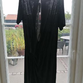 Whiite kjole