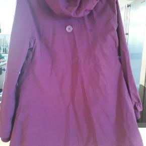 Danefæ overgangs jakke. Længde: 85cm, brystmål:53cm. A-facon