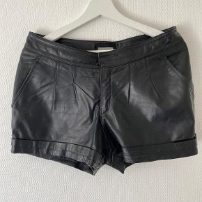 The Wardrobe shorts