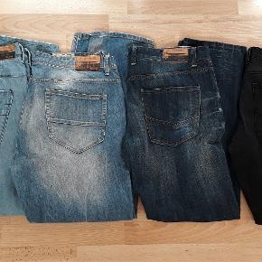 Marcus jeans str. 40. Ikke lagt op. Brugt meget få gange - næsten som ny. 4 forskellige farver: Sorte, mørk denim, lys denim. Købspris pr. par. 500,-  BYD gerne på et eller flere par, så finder vi en god pris :)