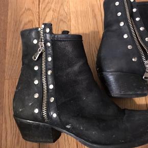 Fineste læder støvler brugt en del gange men rigtig god stand ❤️