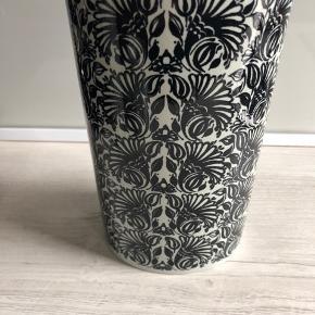 Fin vase i god stand