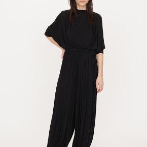Cosette harems bukser fra By Malene Birger i størrelse xxs, svarer til en 34.  Kun brugt få gange 🌷