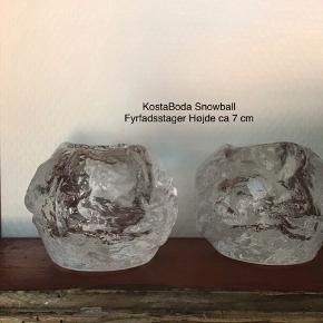 2 stk KostaBoda Snowball fyrfadsstager 7 cm I flot og intakt stand