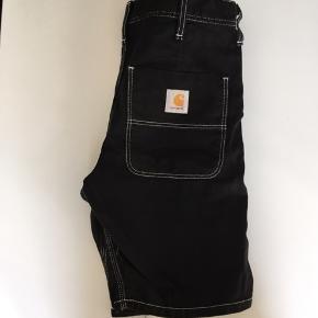 Carhartt contrast stitch shorts.  Størrelse 29.