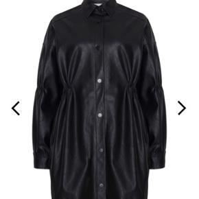 Ny lala Berlin Jinar Jacket købspris 3300kr - sælges for 1800kr Ubrugt med tags