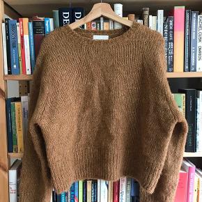 næsten ikke brugt  lækker sweater i mohair mix