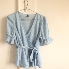 Fin bluse fra vero moda. Str 36. Aldrig brugt. Giver mængderabat🌿